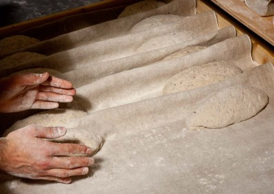 pipacs-budapest-bakery-halfbrown-4-seed-bread-making-27