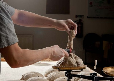 pipacs-budapest-bakery-rye-bread-making-07