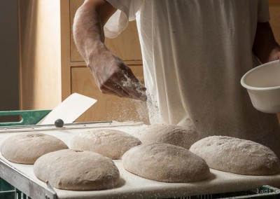 pipacs-budapest-bakery-rye-bread-making-35