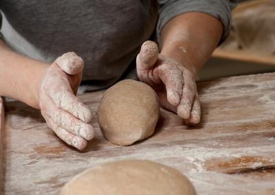 pipacs-budapest-bakery-spelt-bread-making-13