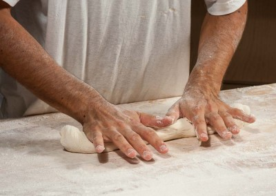 pipacs-budapest-bakery-baguette-making-05