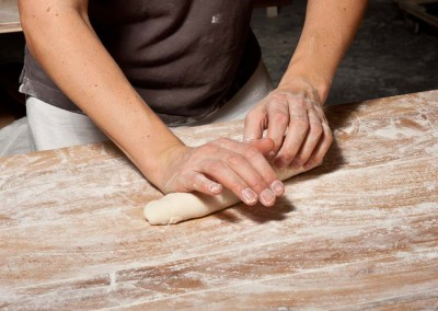 pipacs-budapest-bakery-baguette-making-11