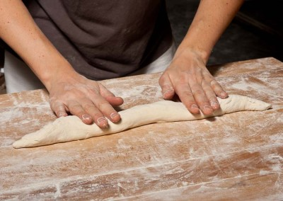 pipacs-budapest-bakery-baguette-making-14