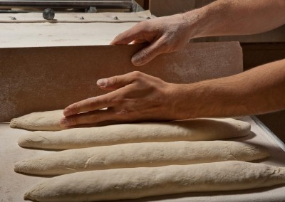 pipacs-budapest-bakery-baguette-making-17