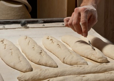 pipacs-budapest-bakery-baguette-making-20