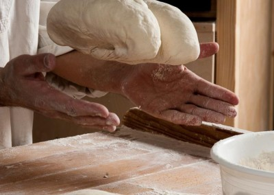pipacs-budapest-bakery-white-bread-making-16